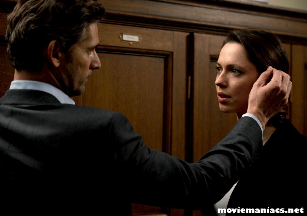 "Closed Circuit ภาพยนตร์เรื่องราวเกี่ยวกับบทบาทของรัฐบาลรวมไปถึงยังมีการบอกเล่าถึงอาชีพทนาย ""Closed Circuit"